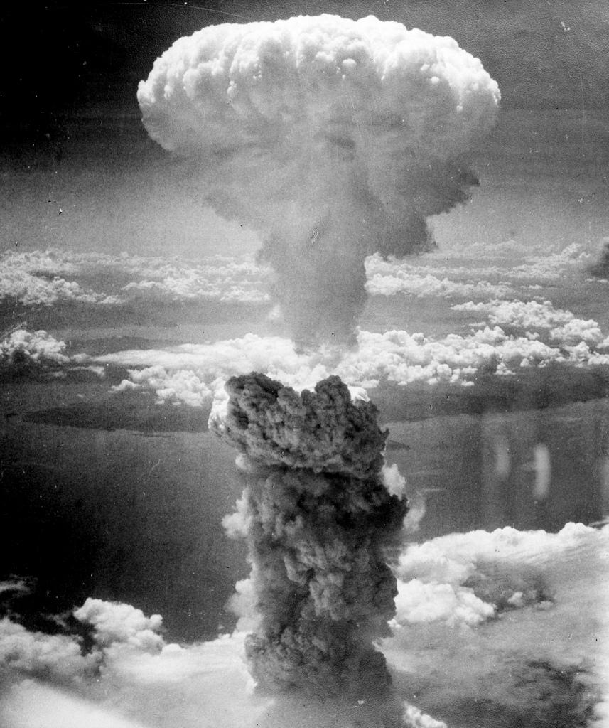 Wybuch bomby w Nagasaki. To wydarzyło się naprawdę, miejmy nadzieję, że się nie powtórzy.